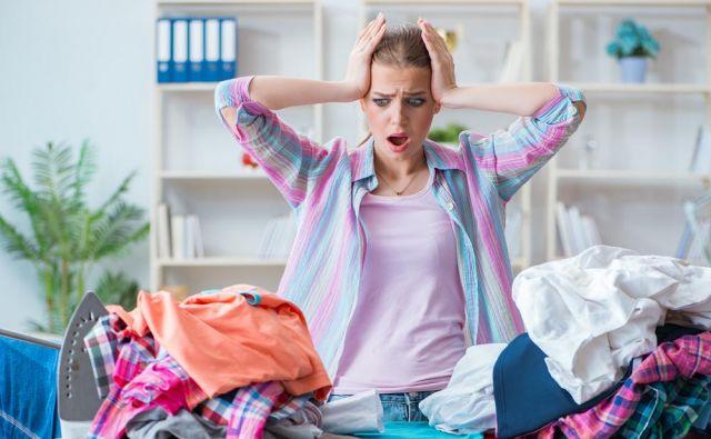 Danes se oblačila več ne gubajo tako kot nekoč. Večino lahko operete, posušite, zložite in pospravite v omaro.