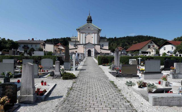 Župnija Ljubljana - Šentvid je upravni enoti že posredovala vlogo za sporazumno ureditev razmerja na šentviškem pokopališču. FOTO: Igor Mali