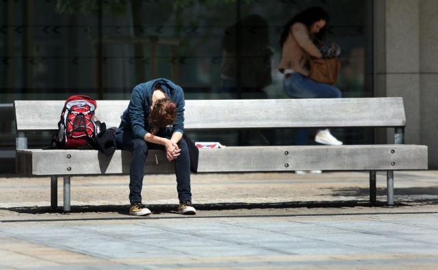 Psihično sesut človek ne more več ne delati ne živeti sam. FOTO: Tadej Regent