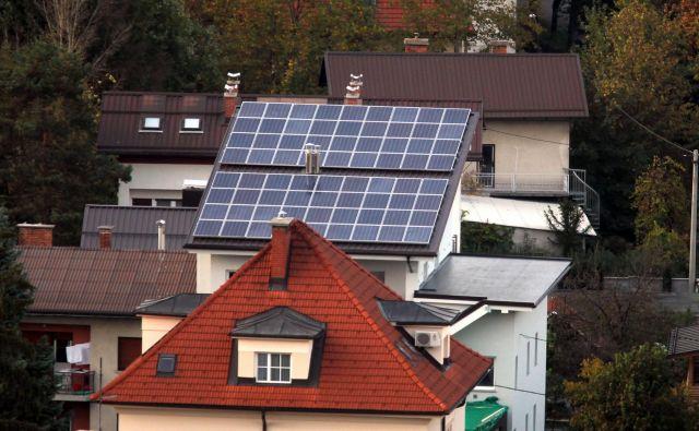 Pri nas sončne elektrarne dobivajo zagon, po svetu se ta ustavlja. Foto BlaŽ Samec