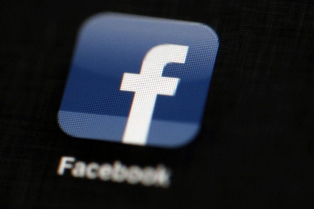 Facebook in Cambridge Analytica pod razširjeno preiskavo