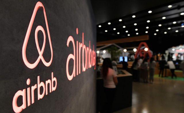 Po svetu jev 81.000 mestih približno pet milijonov Airbnbjevih nastanitev. FOTO: Toshifumi Kitamura/AFP