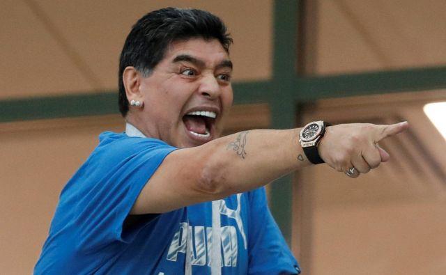 Diego Maradona enostavno ne more iz svoje kože. Foto Matthew Childs/Reuters