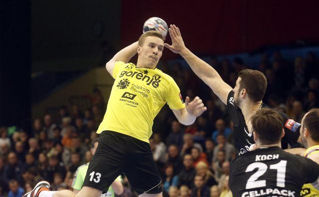 Jan Grebenc se je na začetku sezone izkazal v ligi prvakov, potem pa se mu je zgodila poškodba in ga za dalj časa oddaljila z igrišč.