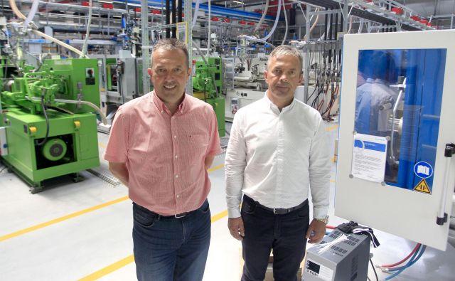 Iztok (na levi) in Igor Stanonik: »Če bi šlo za denar, bi podjetje že zdavnaj prodala.« FOTO: Roman Šipić