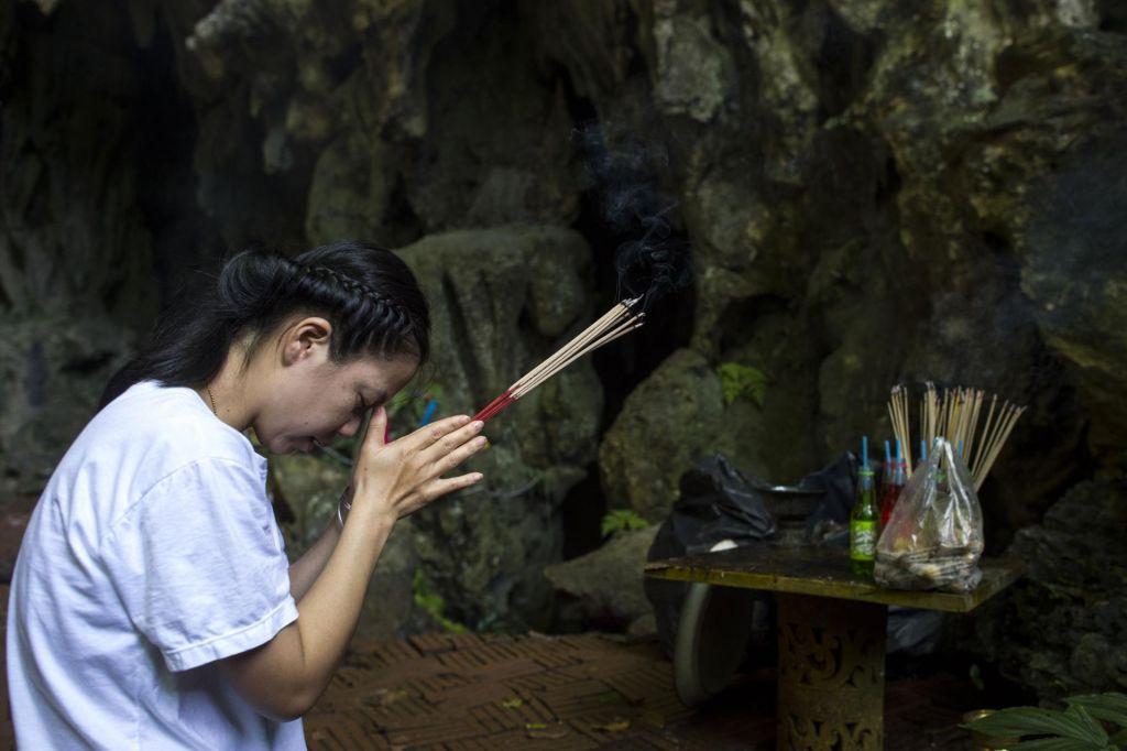 FOTO:Upanje za tajske dečke: bodo lahko iz jame odšli peš?