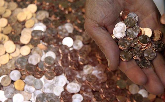 Kovanci za en ali dva centa Foto Leon Vidic
