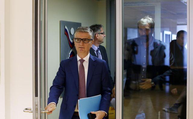 Predsednik RZS Franjo Bobinac verjame, da bo selektor Veselin Vujović (v ozadju) Slovence popeljal na olimpijske igre v Tokiu.