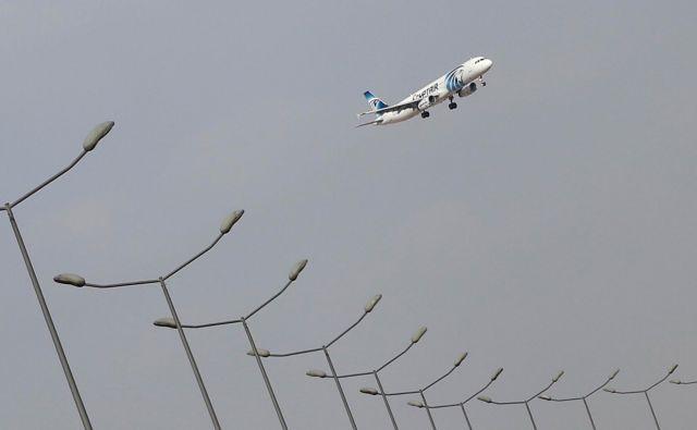 Letalo družbe EgyptAir. FOTO: Amr Addullah Dalsh/Reuters