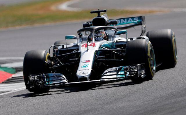 Lewis Hamilton je bil najhitrejši na včerajšnjem prvem prostem treningu.