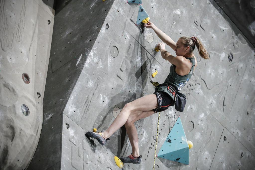 Janja Garnbret po maturi spet šampionsko