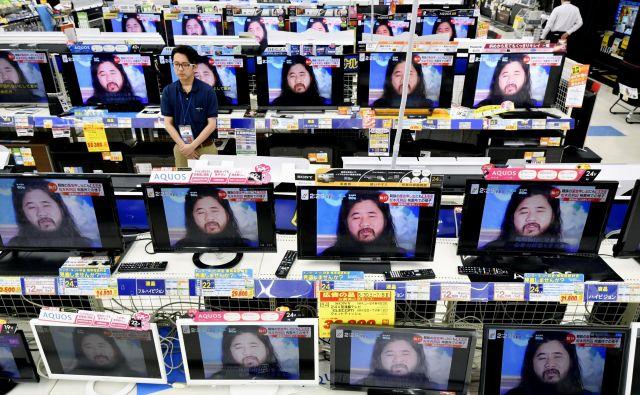 Šok Asahara je bil skupaj s še šestimi člani kulta Aum Šinrikjo usmrčen v petek. FOTO: AP