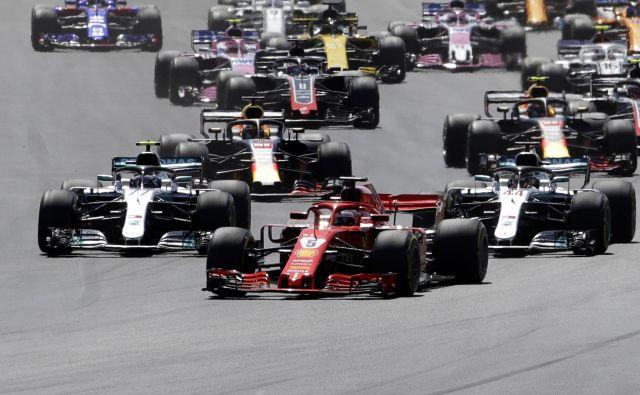 Sebastian Vettel je bliskovito štartal in si po letu 2009 privozil drugo zmago v Silverstonu.