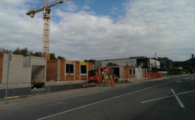 V Dravljah bodo stavbe po spremembi OPPN lahko trietažne. Foto Aleš Stergar