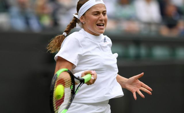 Jelena Ostapenko se je v polfinale Wimbledona prebila brez izgubljenega niza. Foto AFP