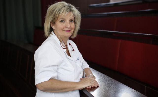 Bojana Beović: »Če bi se odporne bakterije nenadzorovano razširile, nas ob našem načinu predpisovanja antibiotikov ne čaka nič dobrega.« FOTO: Uroš Hočevar