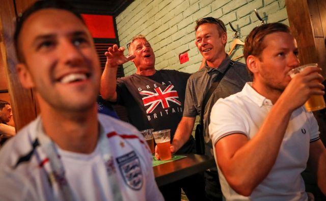 Ruska država je po zmagi Vladimirja Putina pred 18 leti krenila v boj tudi z alkoholizmom. Ob vodki je omejila prodajo in oglaševanje piva, pivski trg je samo v zadnjih petih letih izgubil četrtino.Foto Carlos Garcia Rawlins/Reuters