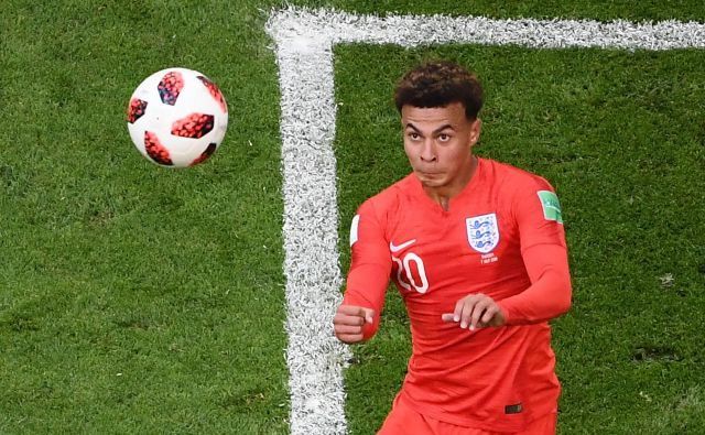 Raznovrstni Dele Alli je sodoben tip zveznega nogometaša, s 188 cm je nevaren tako z glavo kot z nogo. FOTO: AFP