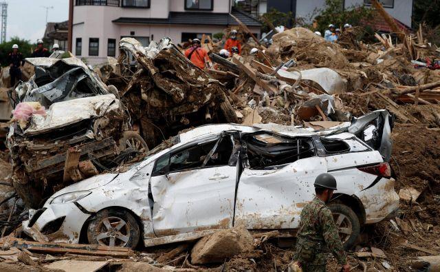 Poplave so že označili za najhujšo vremensko nesrečo v več kot treh desetletjih. FOTO: Reuters