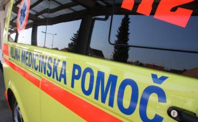 Reševalci so v UKC Ljubljana odpeljali pet oseb. FOTO: Delo