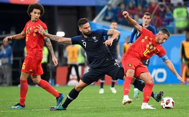 V 80. minuti je Olivier Giroud storil očiten prekršek nad Edenom Hazardom na robu kazenskega prostora, toda sodnik je pustil, da se igra nadaljuje. Od takrat Belgijci niso več imeli resne priložnosti za izenačenje.