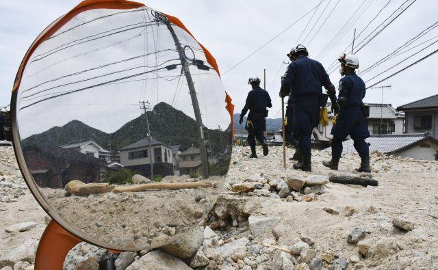 Poplave so že označili za najhujšo vremensko nesrečo na Japonskem v več kot treh desetletjih. FOTO: Shingo Nishizume/AP