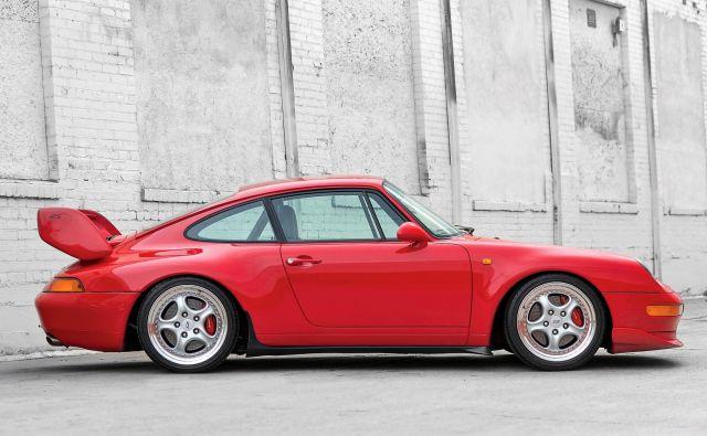 Med najdražje in najbolj zbirateljske različice štejejo RS, GT2 in turbo S s cenami, ki lahko presežejo 400 tisoč evrov. FOTO: Porsche