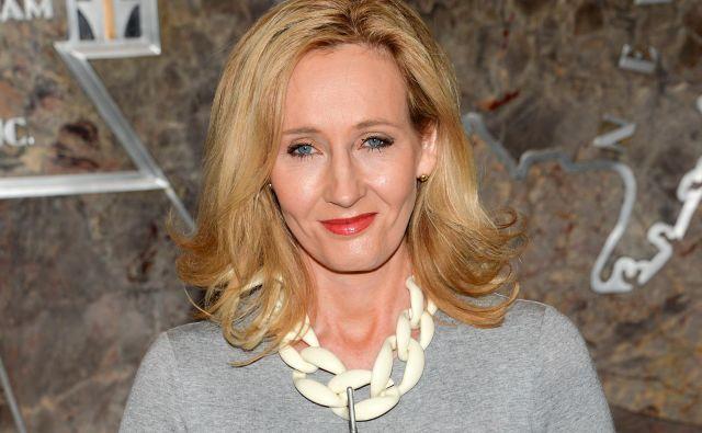 Preden je J. K. Rowlingrazkrila pravo identiteto, so prodalile 1500 izvodov njene prve detektivke s Cormoranom Strikom. FOTO: AP