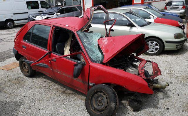 Posledice prometne nesreče v Litiji. FOTO: Dejan Javornik
