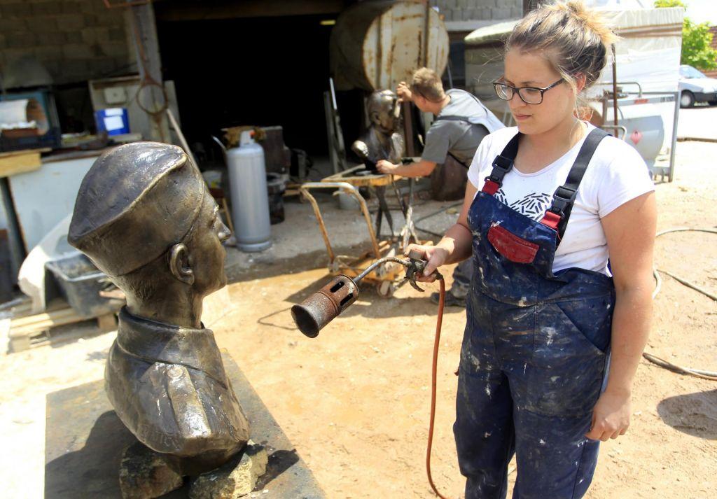 FOTO:Herojske glave so morale na čiščenje