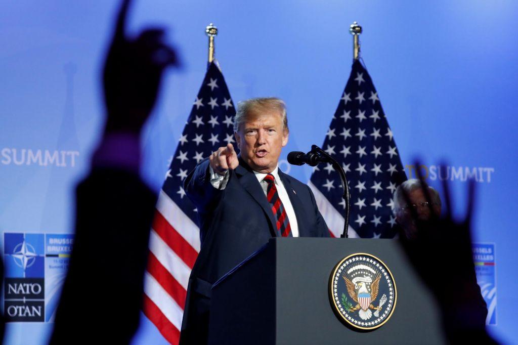 FOTO:Trump ponuja Evropi »najboljša letala, rakete, puške«
