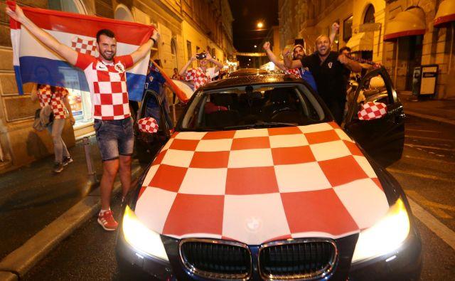 Nogometna evforija se čuti na vsakem koraku. FOTO: Reuters