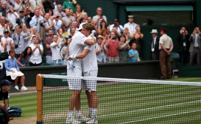 Kevin Anderson in John Isner sta v polfinalu Wimbledona odigrala dvoboj, ki se bo zaradi dolžine zapisal v zgodovinske knjige.<br /> Foto Reuters