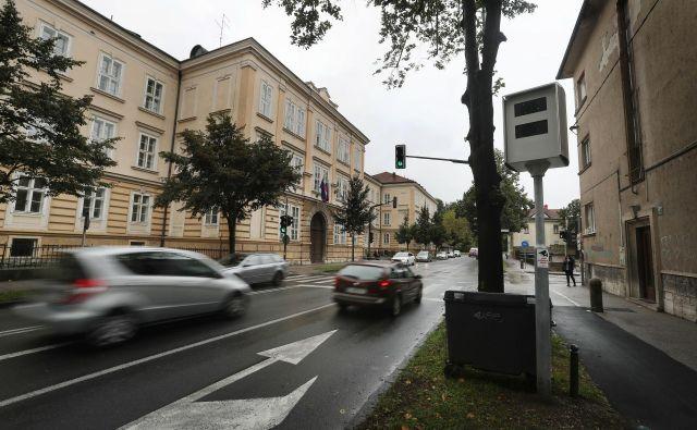 Občina kupuje nov super radar s tremi ohišji. Na javno naročilo je prispela le ena ponudba, istega proizvajalca kot lani. FOTO: Leon Vidic