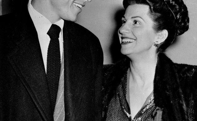 Frank in Nancy Sinatra leta 1946. FOTO: Ap