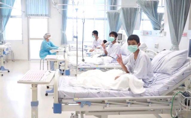 Dečki bodo bolnišnico lahko zapustili čez nekaj dni. FOTO: Reuters