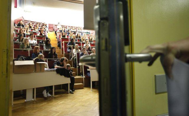 Visokošolsko izobraževanje pred skoraj sto leti ni bilo samoumevno, kot je pogosto danes. FOTO: Mavric Pivk/Delo