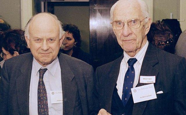 Bill Frankland (desno) je pred davnimi časi zdravil Sadama Huseina. FOTO: Wikimedia