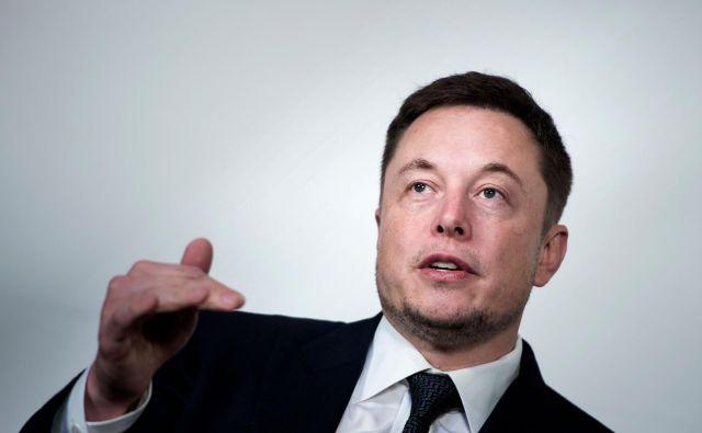 Menite, da bi se moral Elon Musk opravičiti? FOTO: AFP