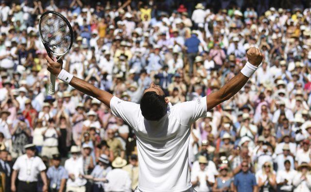 Novaku Đokoviću v zadnjem letu ni bilo lahko, zato je bila wimbledonska zmaga še toliko slajša.<br /> Foto AP