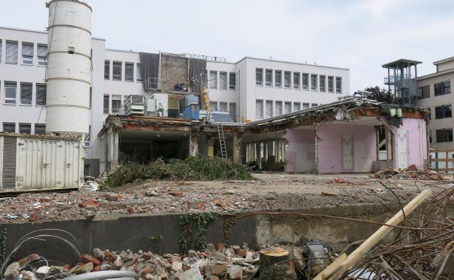 Prenova in dozidava ZD Bežigrad teče po načrtih, odprtje pa je predvideno za 1. september 2019. FOTO: Janez Petkovšek