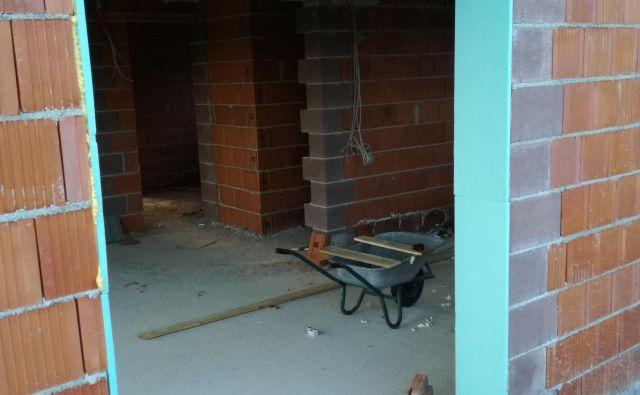 Končana in pripravljena špaleta za balkonska vrata.