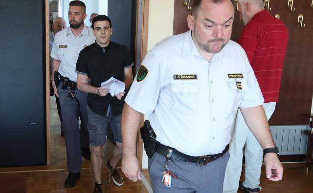 Loris Brljafa je imel na avtobusu s seboj imitacijo pasu z eksplozivom. FOTO: Dejan Javornik