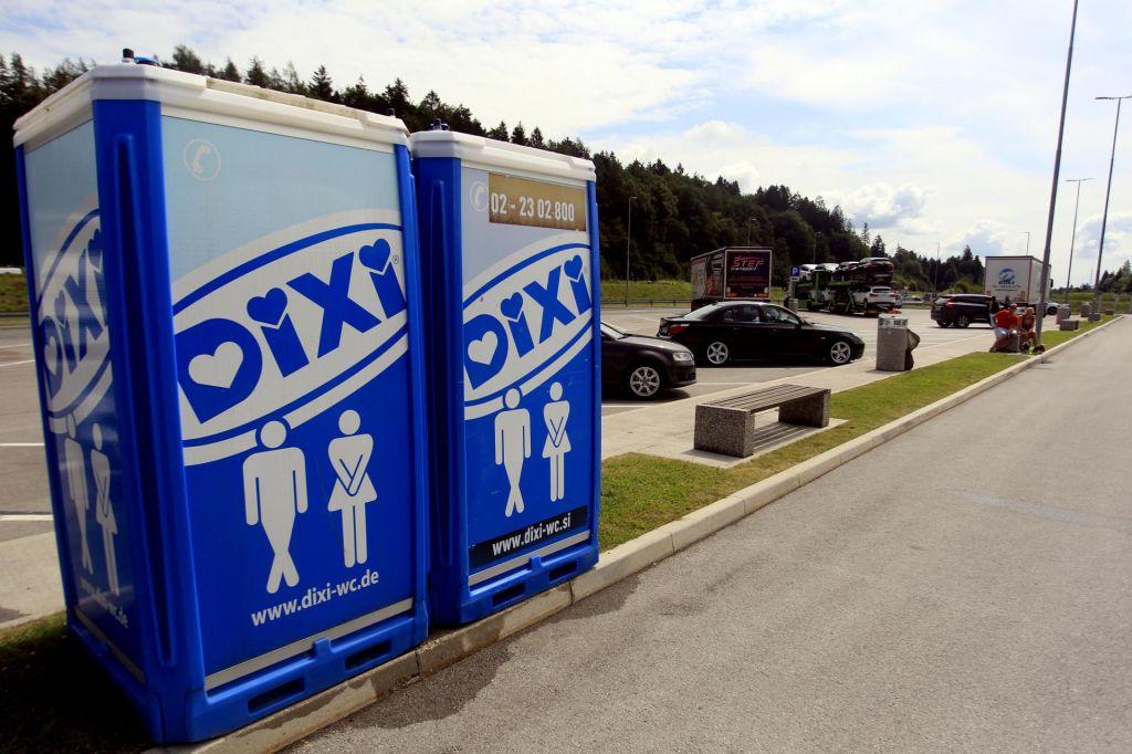 FOTO:Na črpalkah več higiene kot na počivališčih