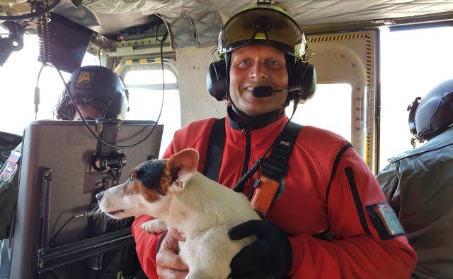 Robert Kralj, pomočnik poveljnika letalske policijske enote, je bil eden od junakov, ki so rešili planinca in njegovega psa. FOTO: Policijska Uprava Kranj