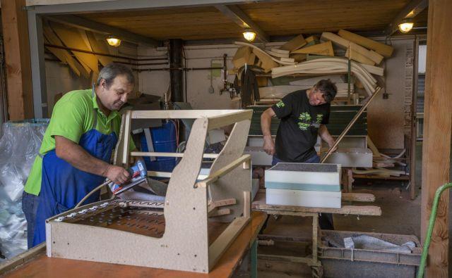 """""""Iz male obrtne delavnice smo postali srednje veliko podjetje,"""" pravi Damjan Burger, direktor M Toma. FOTO: Voranc Vogel/Delo"""