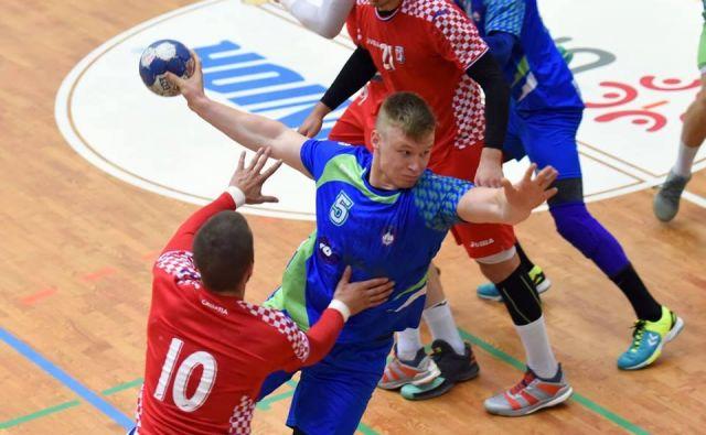 Krožnemu napadalcu Kristjanu Horženu (193 cm, 98 kg) napovedujejo sijajno rokometno kariero, ki jo bo 18-letni Trebanjec nadaljeval v Celju Pivovarni Laško.