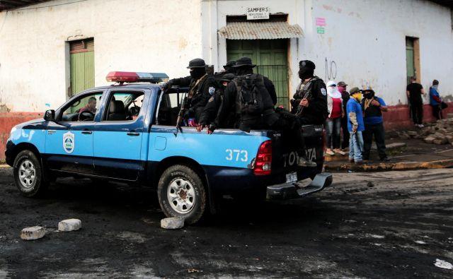 Pripadniki nikaragovskih specialnih enot v Monimbóju, Masaya. FOTO: Oswaldo Rivas/Reuters
