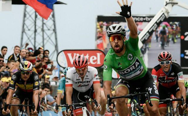 Peter Sagan je tokrat premagal Alexandra Kristoffa in Arnauda Demareja za tretjo letošnjo zmago na Touru. Foto AFP