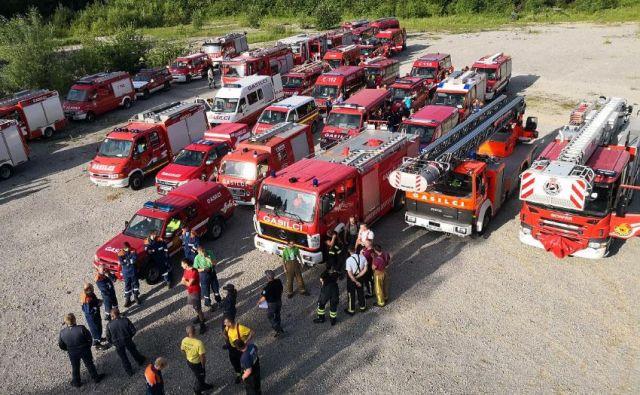 Posledice neurja je odpravljalo skoraj 2000 gasilcev. FOTO: PGD Črnomelj